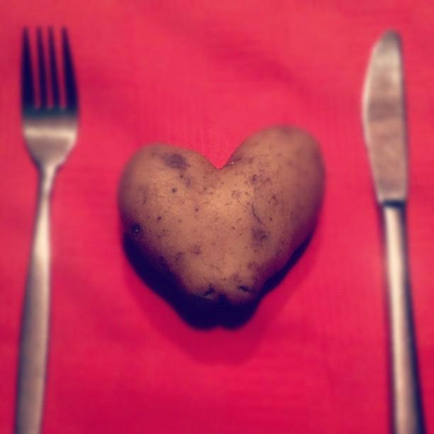 ellen vesters illustrator graphic designer heart shaped potato